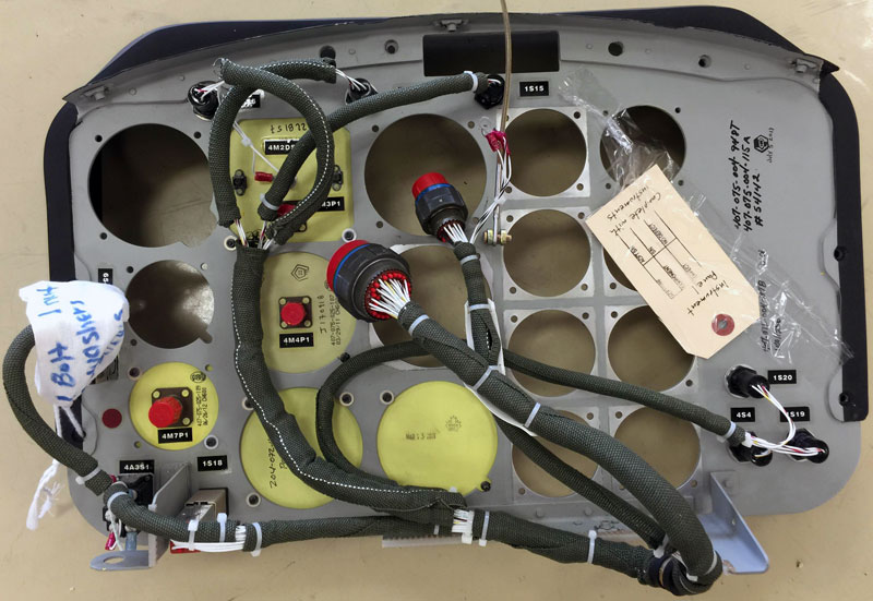 INSTRUMENT PANEL INSTL 407-075-004-127 TSN 20 Hrs. Includes all items in the photos lots of extras