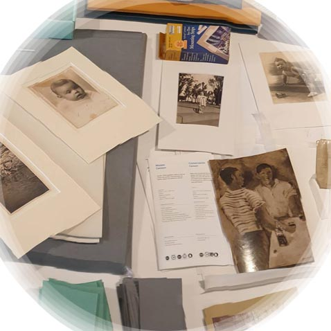 Housing and Mounting Photographs for Exhibition (IEFC)
