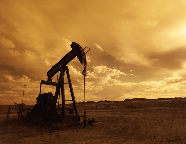 Oil Pump  - Waterloo Capital Weekly Market Commentary