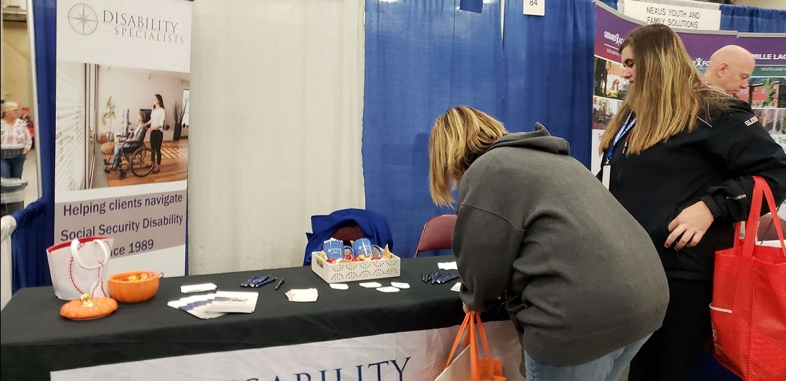 St Louis County HHS conference participants sign up to win prizes