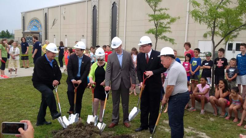 Photo of Mayor and Councillors at Groundbreaking