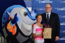 Photo of Mayor Dilkens, Splasher and Contest Winner