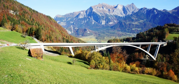 Tamina-Brücke, Schweiz (Foto: Schofför / Wikimedia Commons / CC-BY-SA 4.0)