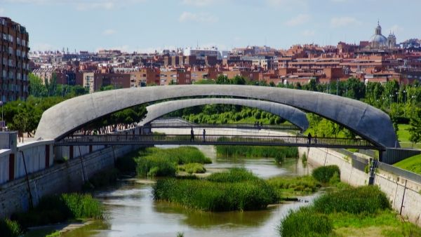 Passerelle Matadero & Invernero, Madrid (photo: Nicolas Janberg)