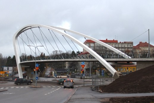 Aurora Bridge, Helsinki (photo: htm/Wikimedia Commons, CC-BY-SA 3.0)