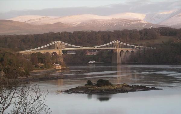 Menai-Brücke (Foto: Mick Knapton; GFDL)