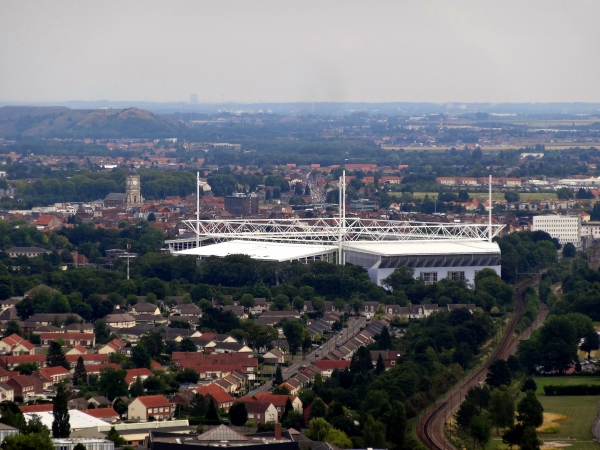 Bollaert-Delelis Stadium, Lens (photo: Liondartois / Wikimedia Commons, CC-BY-SA 4.0)