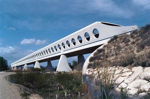 Osera de Ebro Bridge, Zaragoza (photo: Robert Cortright, http://www.bridgeink.com)