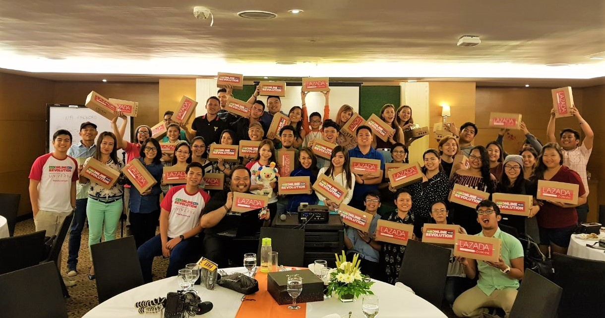 Cebu Influencers who attended the November 6 Affiliate Roadshow at Quest Hotel, Cebu