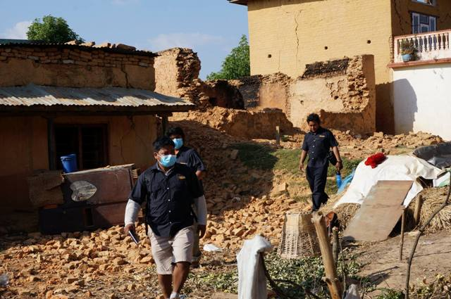 iTrekNepal team working for Bhaktapur Earthquake Relief