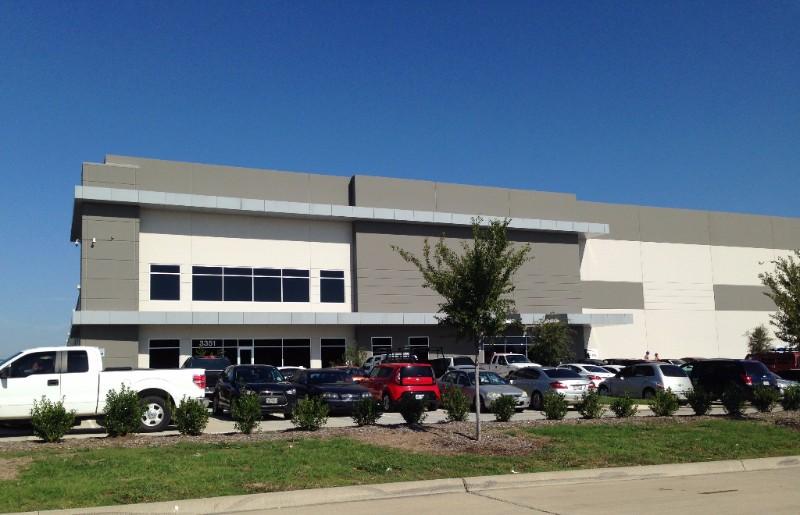Amazon's new 920,000-sf facility in Lancaster