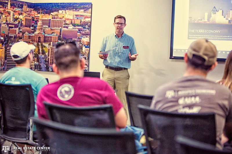 Associate Editor Bryan Pope talks to A&M grads at Thursday's REC 101 live event.