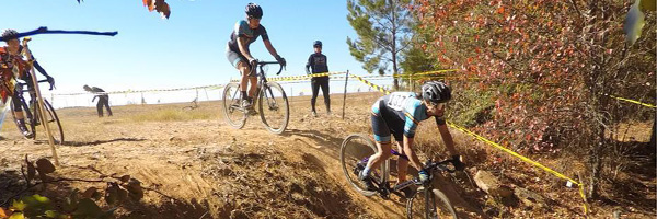 sorella cyclocross race team at the east point race