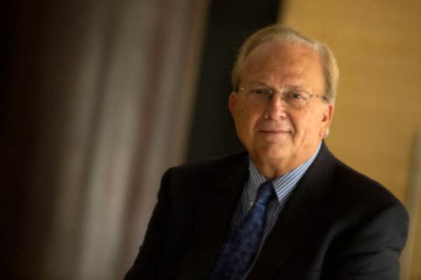 Dr. Carlos Camps