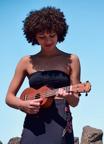 Amena Sings