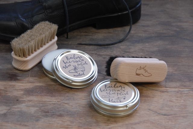 Bailey's Shoe Brush and Polish Kit
