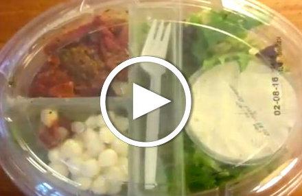Video: Unboxing Supermarkt-Salat