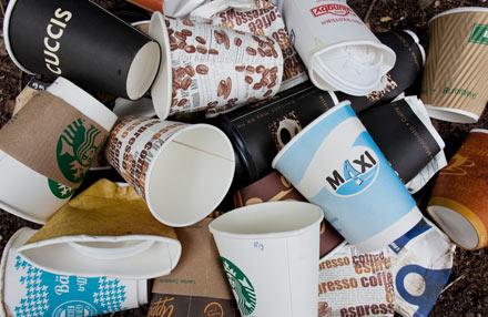 Abgabe auf Coffee-To-Go-Becher