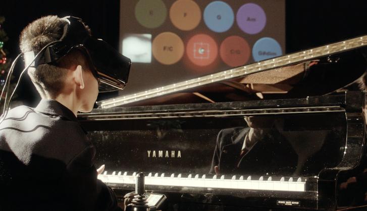 Eye Play the Piano