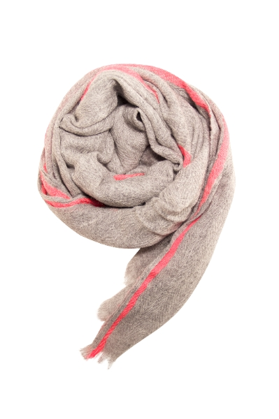 Skønt tørklæde til støtte af Kræftens Bekæmpelse
