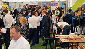 Schools encouraged to establish close links with employers