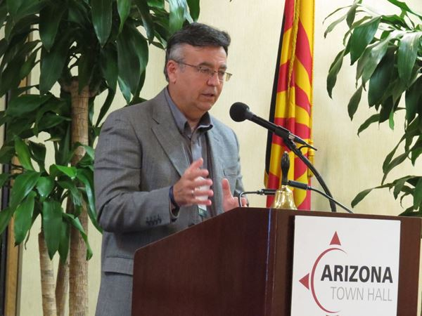 Rich Bowen speaking at Arizona Town Hall