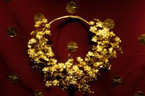 Μια περιήγηση στον αρχαιολογικό χώρο της Βεργίνας