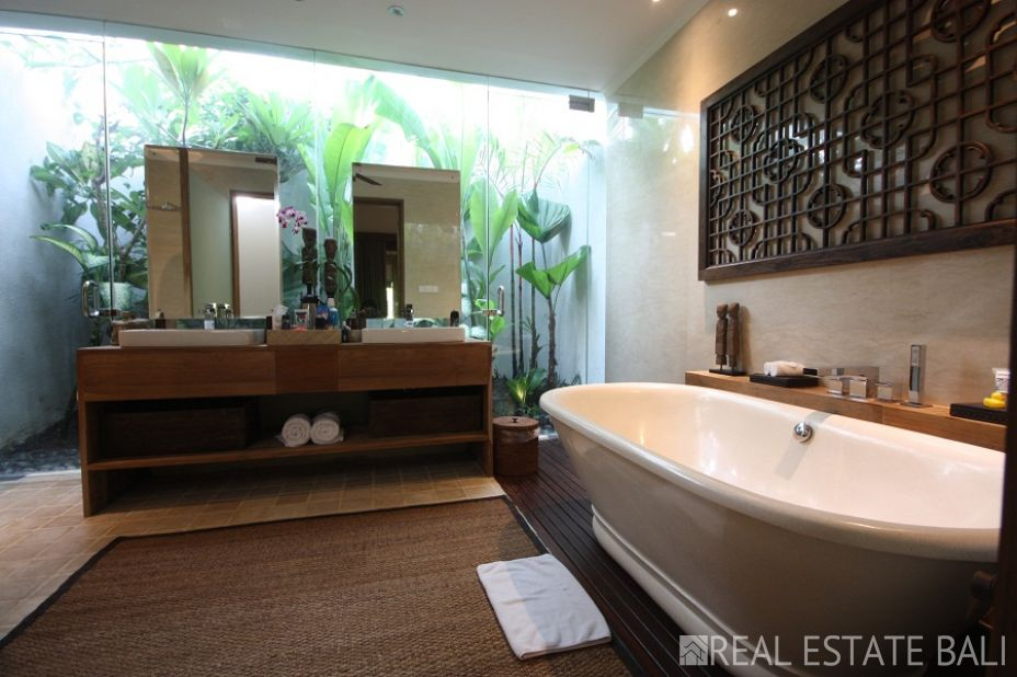 An architect designed, a perfect mix of modern and tropical style in a highly sought-after locale!
