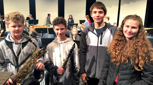 Middle school students in district honor band