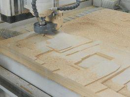 Fresatura di modelli architettonici in legno