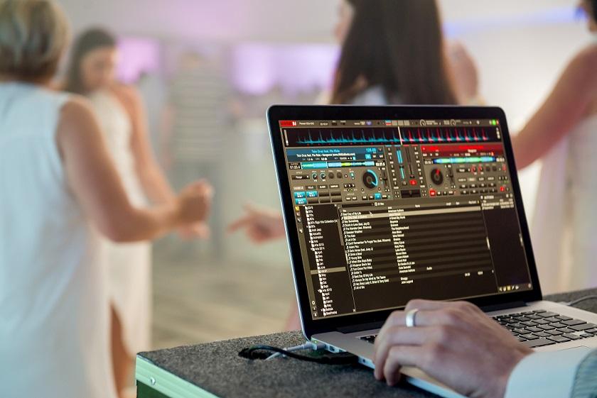 4daf026c 78c8 465c bd43 07b0b837e39d - Arranging your Destination Wedding DJ