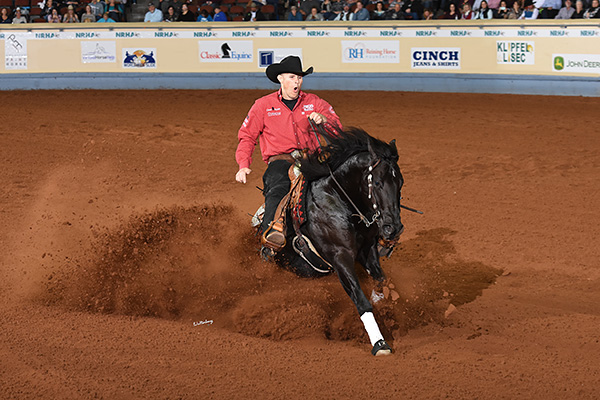 "Jason Vanlandingham and ""A Vintage Smoke"" won the 2018 NRHA Futurity (© Waltenberry)"