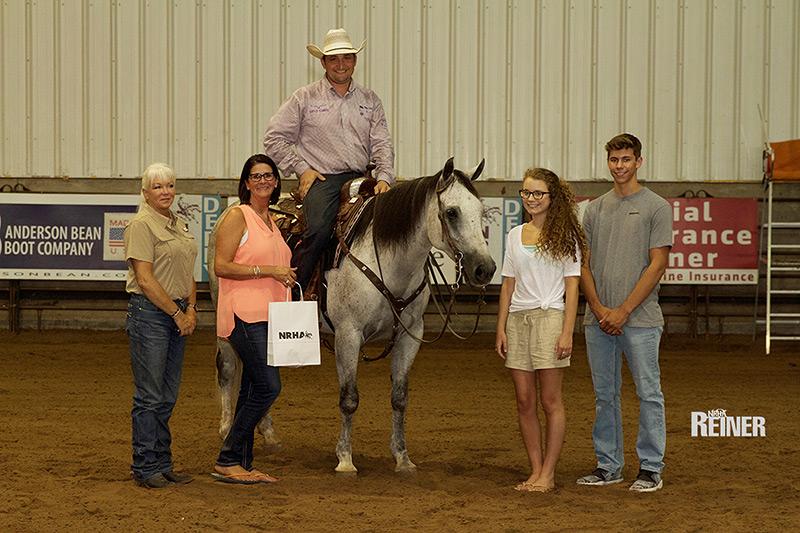 "AQHA-Open-Ranch-Riding-Champion Matthew Armenta und ""FS Vintage Sidekick"""