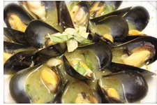 Leah Cha (Sauteed Mussels with Basil)