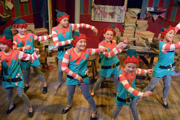 The Christmas Elves and the Shoemaker