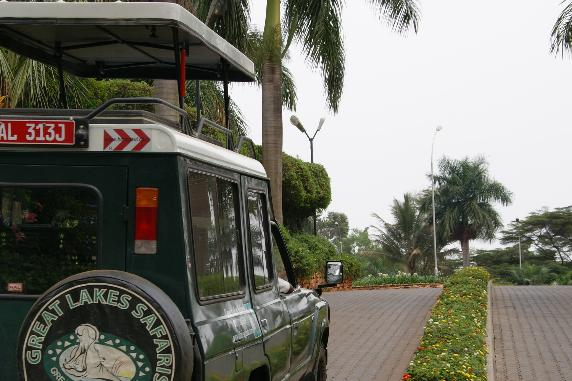 Great Lakes Safaris vehicle on the road