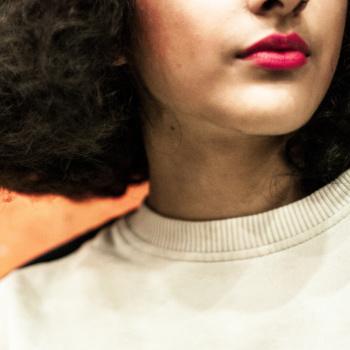 Symbolbild/Ausschnitt Gesicht einer Frau; Bild: Ehimetalor Unuabona/Unsplash