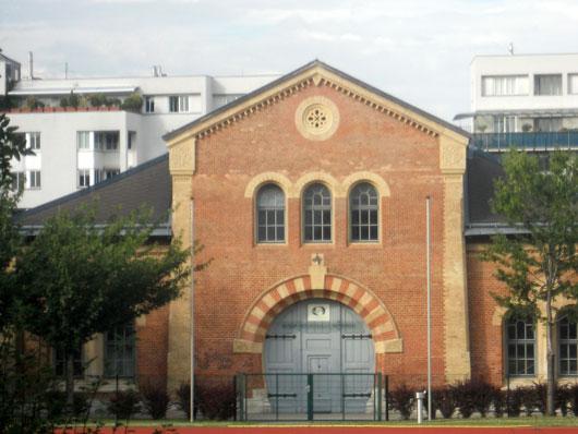 Siccardsburg, van der Nüll, ehem. Reithalle Waisenhauskaserne