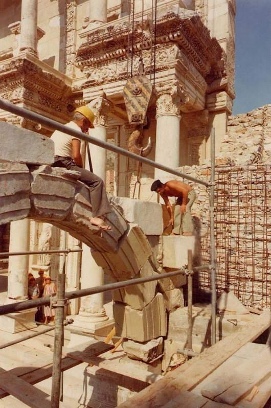 Anastylose - beim Wiedererrichten antiker Bauwerke