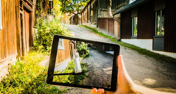 Timo Korkalainen: Using Augmented Reality for presenting historical sites