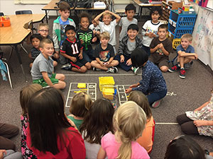 """Students in a 2nd grade Utah dual immersion program play a """"Place Values Game."""""""