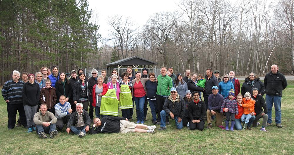 Volunteers at the 2017 Spring Clean-up Weekend