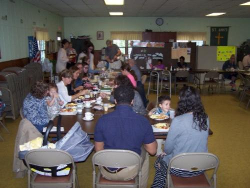 Women eating breakfast at St. Ann's, Afton