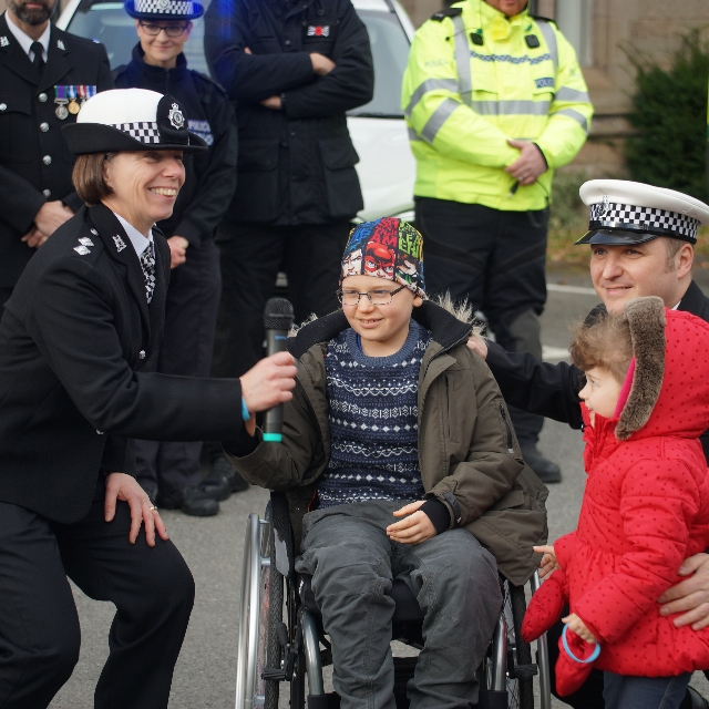 Alex & family with Insp Lucy Sewell who organised the event