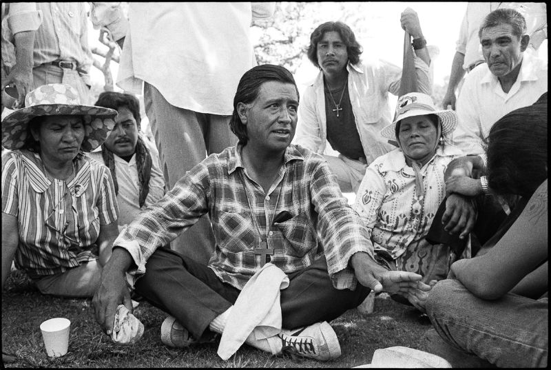 Mimi Plumb, Cesar Chavez delivers a speech to the supporters of the United Farmworkers Union (July 26, 1975), Camp Roberts.