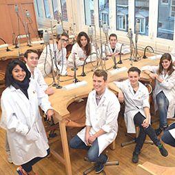 Photo élèves de la Haute Ecole de Joaillerie