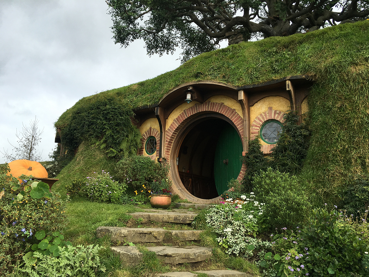 RAD AND HUNGRY: Bilbo's Hobbit Hole
