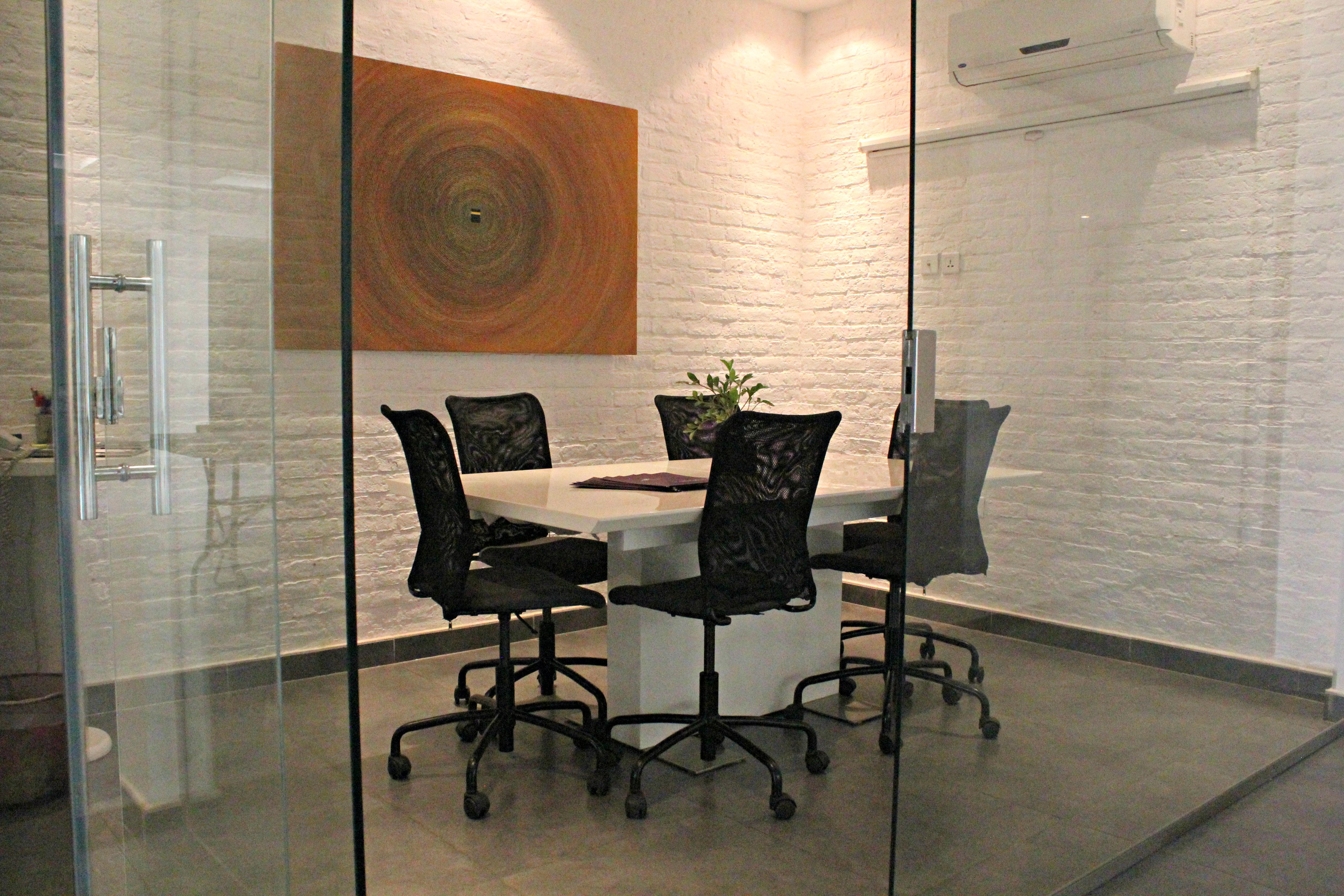 Kayanspace meeting room