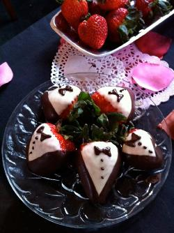 Chocolate Tuxedo Strawberries