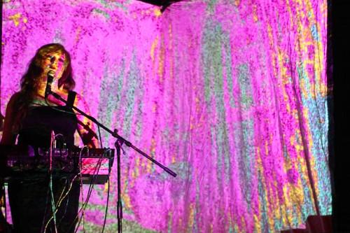 www.lilytaylormusic.com
